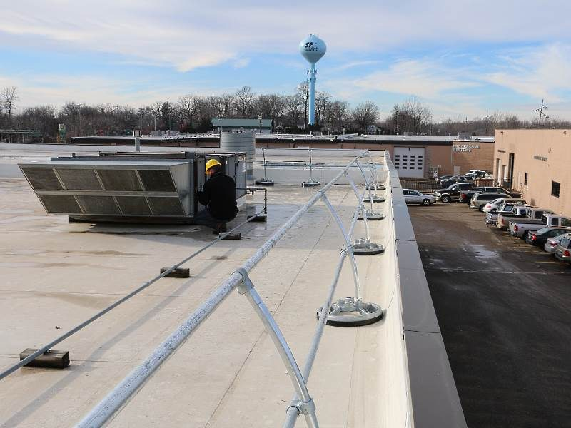 AccuFit Safety Railing – EDGE Fall Protection