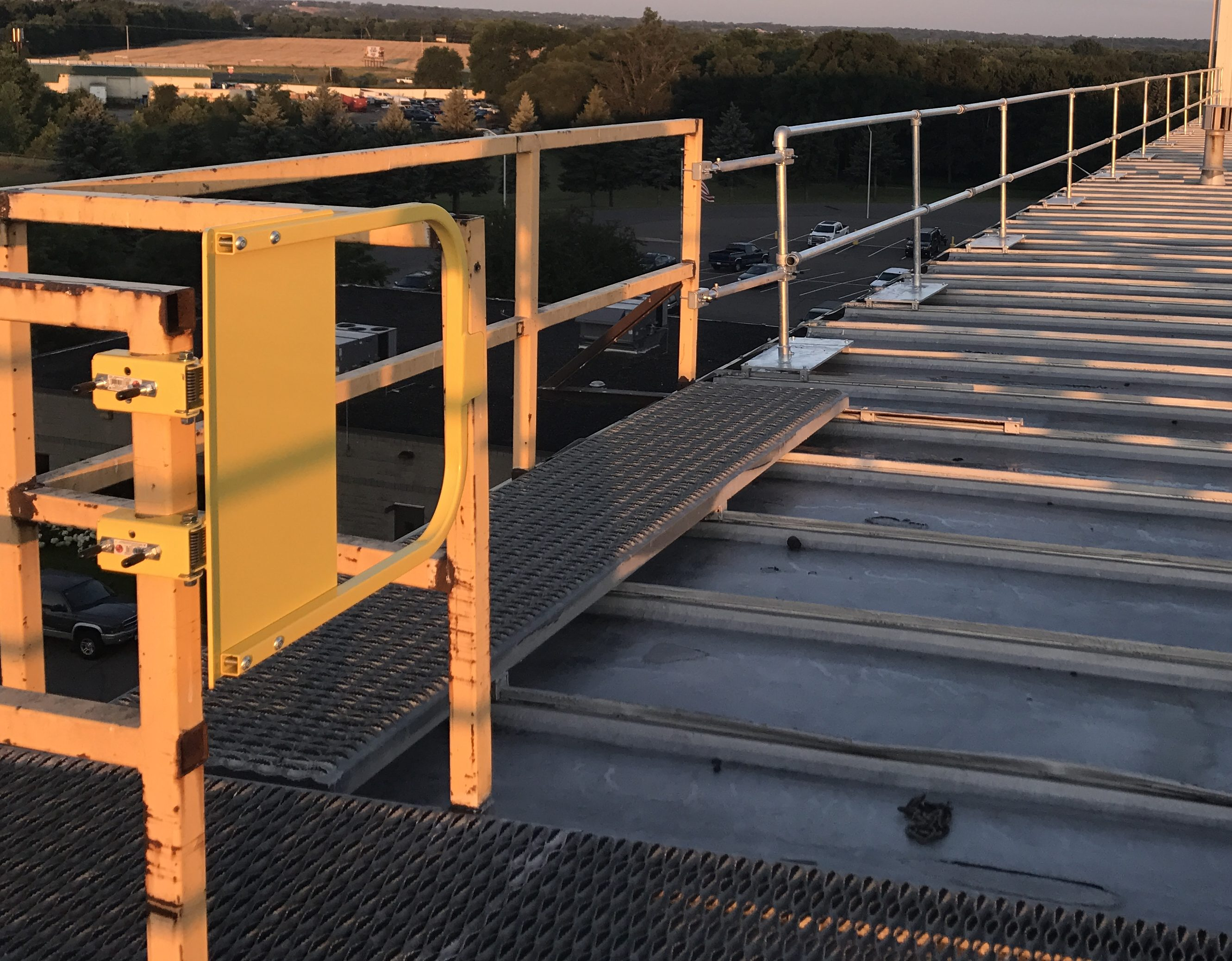 Self Closing Safety Gate By Edge Fall Protection Llc