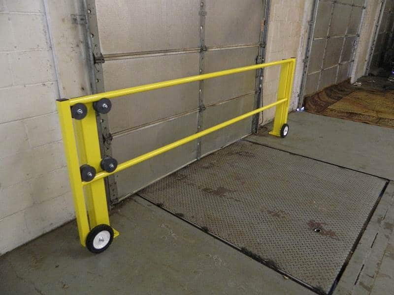 Industrial Loading Dock Safety Gate Quality Safety Rails