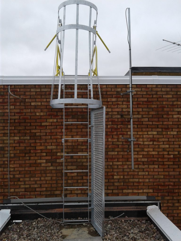 Fixed Roof Access Ladder New Steel Roof Ladder Solution